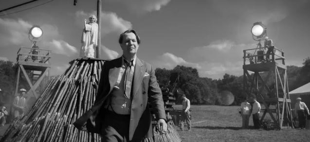 Mank de David Fincher estrena Web con Fotos yMúsica.